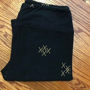 lularoe black leggings with X pattern - size OS